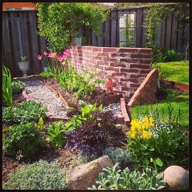 Trädgårdsföreningen Acchlejorna skriver om Sanda Cottage: