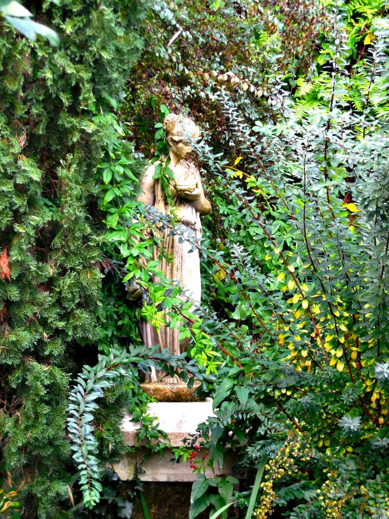 A breath of fresh air le jardin d 39 eden and the colors of for Le jardin d eden