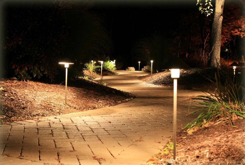 Low Voltage Landscape Lighting Images : Image gallery low voltage outdoor lighting