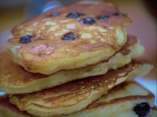 The Domestic Curator: Blueberry Buttermilk Pancakes, Mom ...