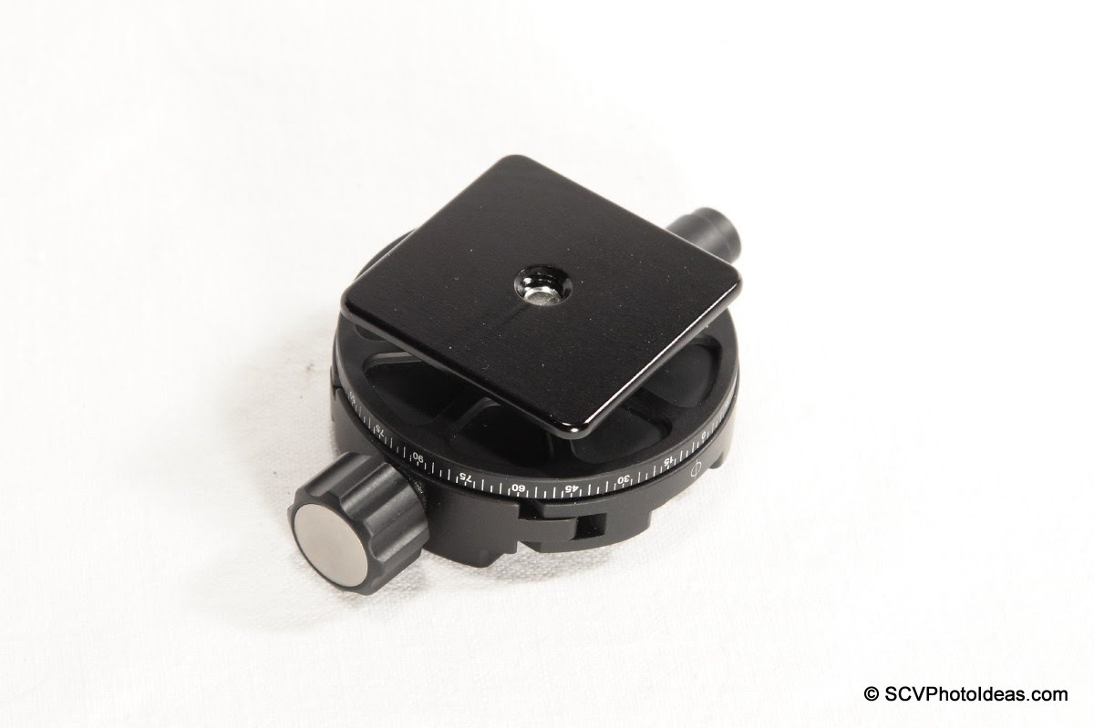 Hejnar Clamp Adapter plate on Sunwayfoto DDH-02 - bottom