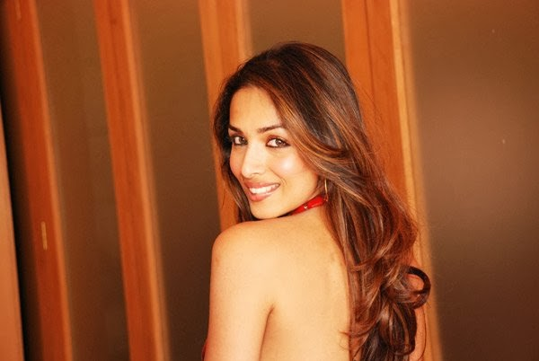 Malaika Arora Khan in Backless red Skirt hd latest unseen rare top pics collection topless download now