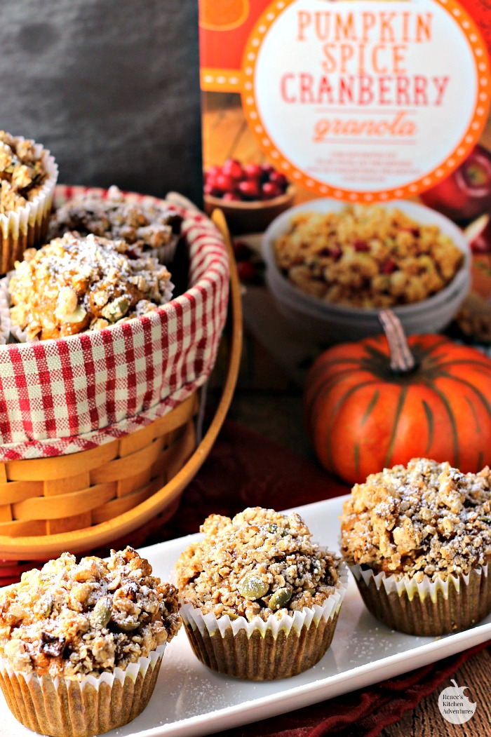 Pumpkin Spice Cranberry Crunch Muffins - easy recipe for a delicious muffin with the tastes of Fall! Enjoy for breakfast or an anytime snack! #FlavorsofFall ad