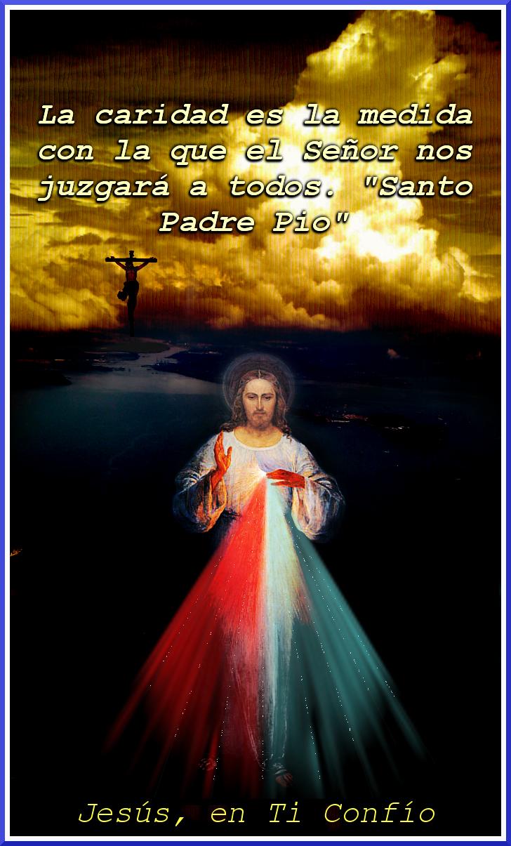 imagen de la divina misericordia en un fondo de nuebes y cruz pequeña
