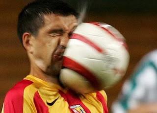 lucu sepak bola