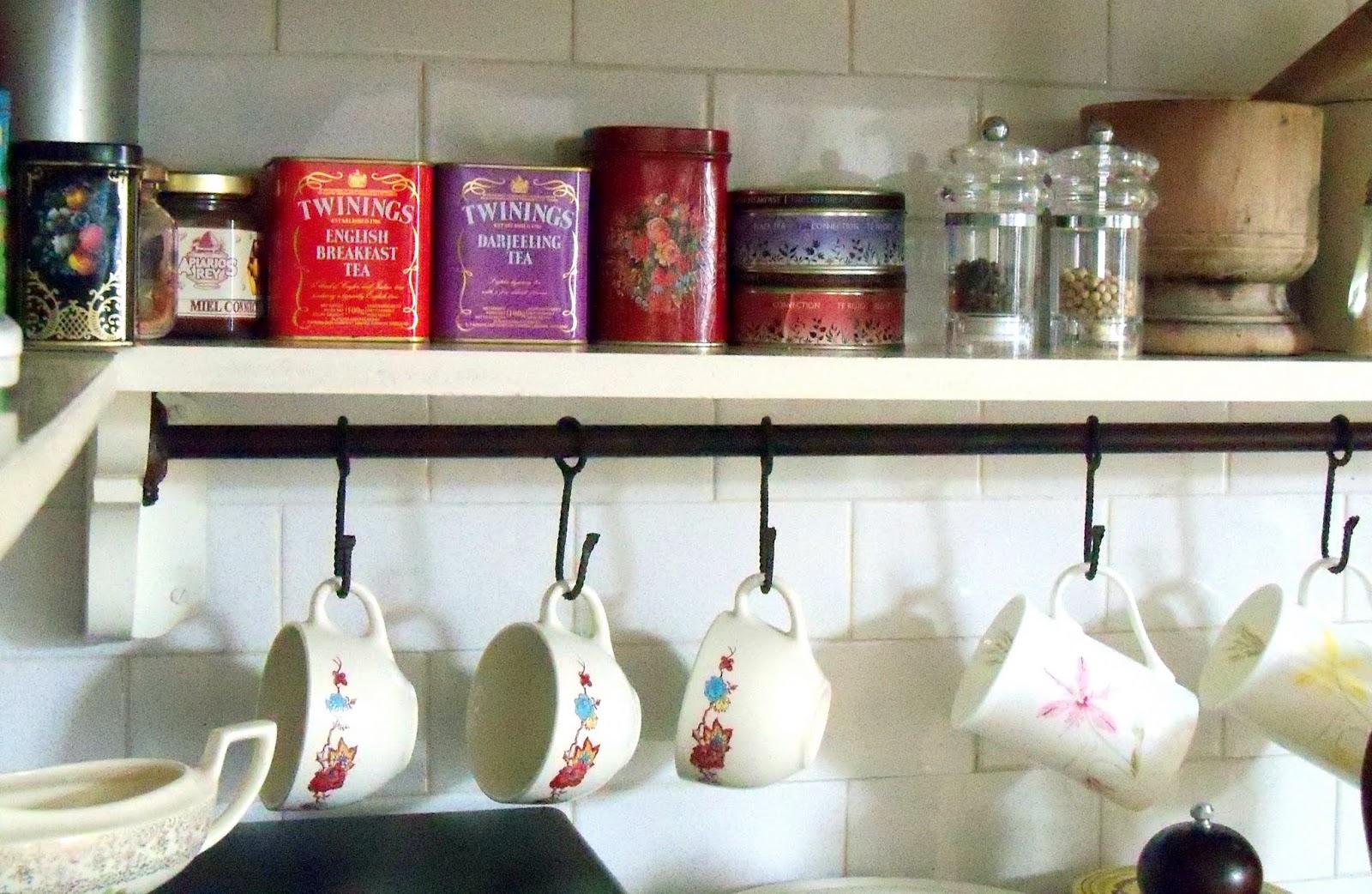 Lo de biollay ramos generales agosto 2012 - Como hacer estantes de cocina ...
