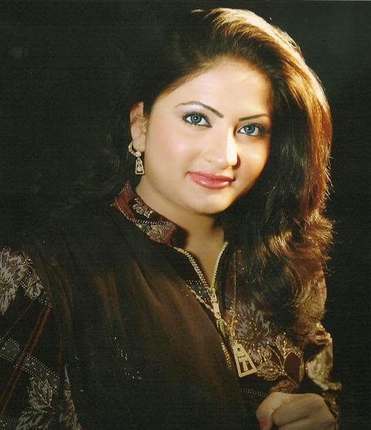 Hot Mujra: Salma Shah Private Nanga Mujra 2014