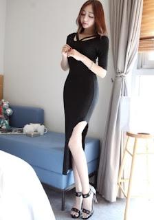 Korean dress with split-up detail