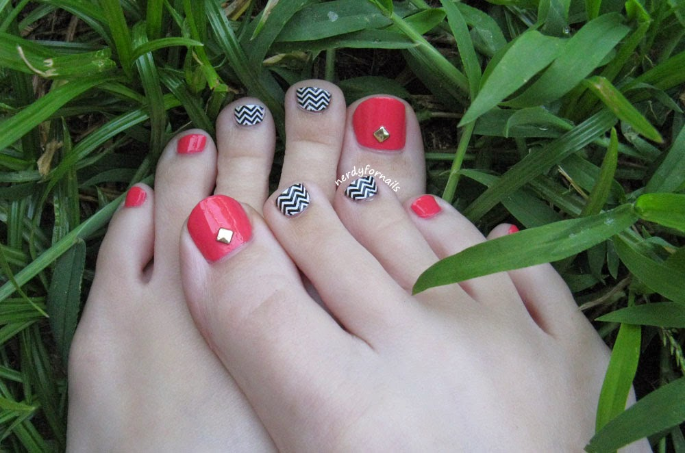 Chevron coral zig zag toes pedicure with studs