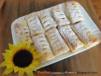 Tronchetti di pasta sfoglia con ripieno di marmellata di albicocche