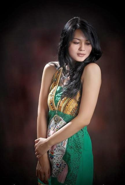 Foto Model Cantik Seksi Indonesia