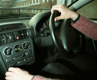 driving photo, steering wheel, safe, driving