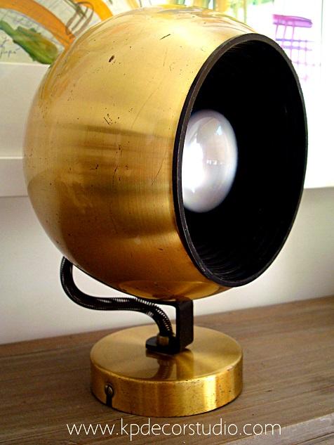 Comprar apliques de pared fase. Lámparas y apliques vintage dorados forma de bola