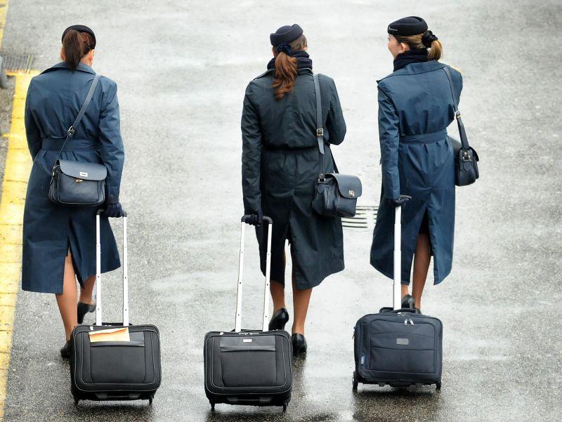 Hostess BARCHETTA BLU BERRETTO assistenti di volo pilota CARNEVALE volo UNIFORM NUOVO
