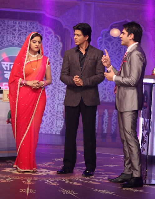 Shahrukh promotes 'Chennai Express' on the sets of Diya Aur Baati Hum
