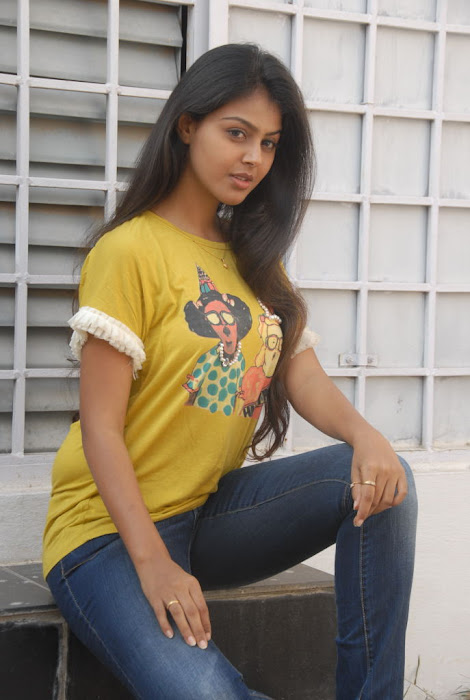monal gajjar new new movie launch actress pics