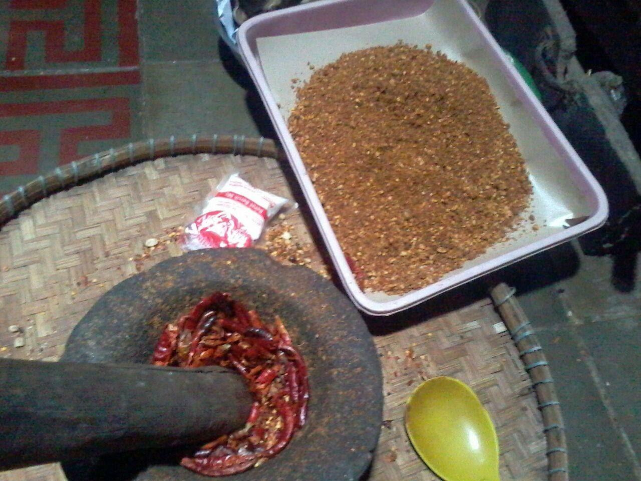 menjual sambel kocok (sambal kering) khas cirebon murah