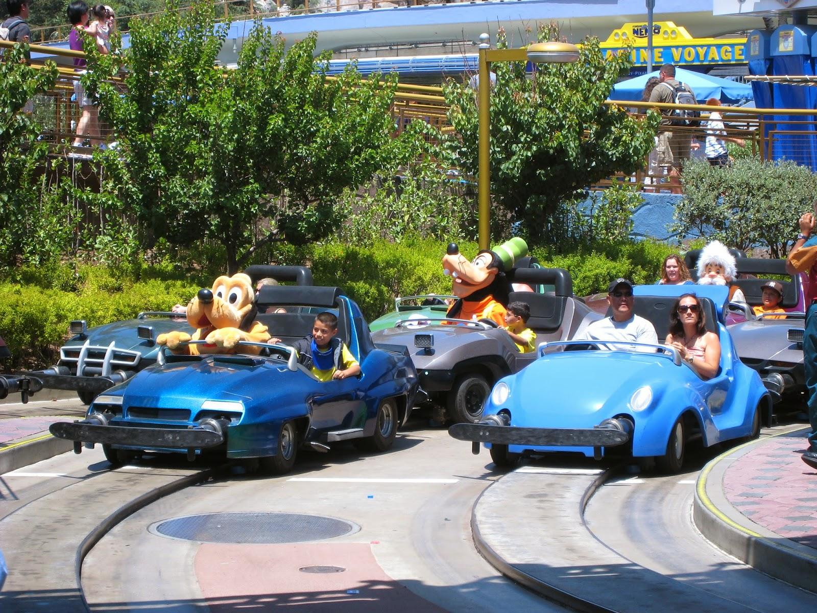 Mickey Mutineers Attraction Clashin Autopia Vs