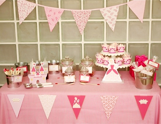 just loving the Ice Cream Party twist on the usual Princess theme