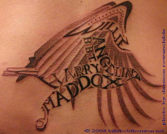 http://1.bp.blogspot.com/-ecMbve0lkB8/Ti3PEEdt18I/AAAAAAAAALM/TARcZUKkw_k/s1600/tattoo-back-family2011.jpg