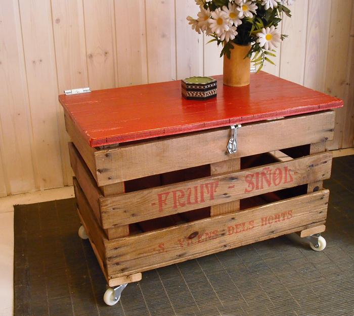 1Unik In Action Fruit Crate Chest Coffee Table
