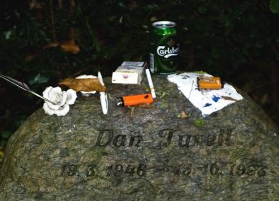 Assistens Kirkegård gravsten - Dan Turèll - 19.03.46 - 15.10.93