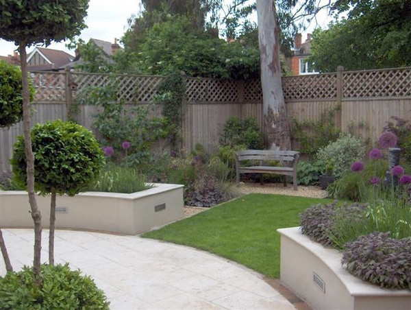 High Level And Skilled Garden Designer From London
