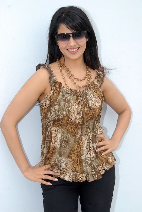 saloni new , saloni glamour  images