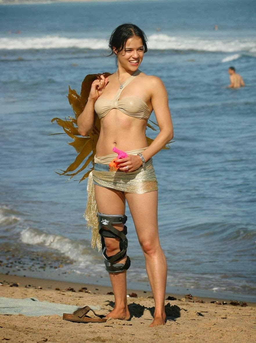 mimi rogers nude bikini pics