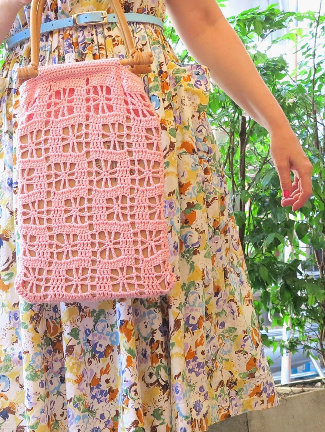 byHaafner, crochet, crochet market bag, pink, bamboo handle, vintage dress
