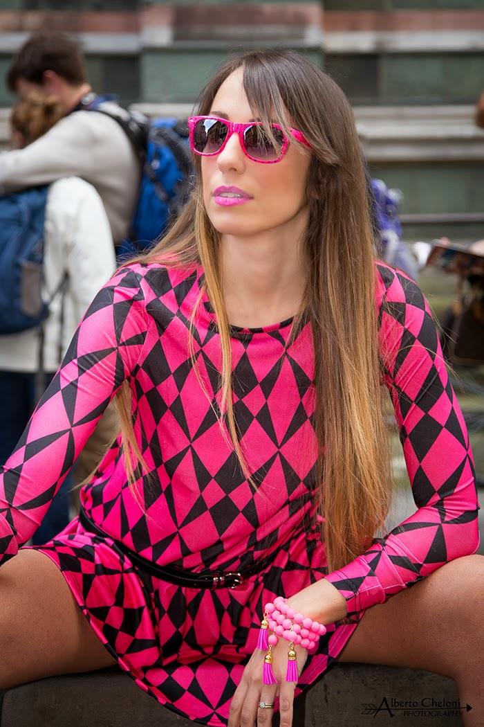 occhiali da sole rosa