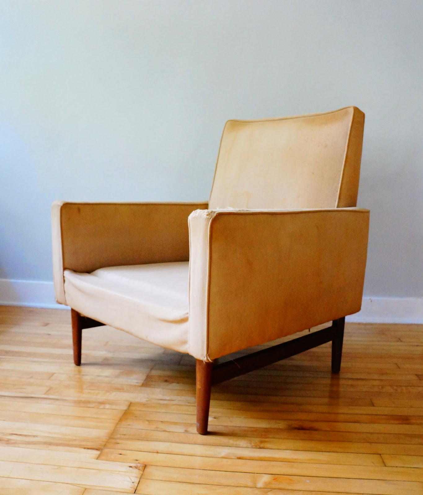 str8mcm Mid Century Lounge Chair
