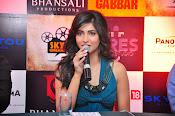 Shruti haasan glamorous photos-thumbnail-3