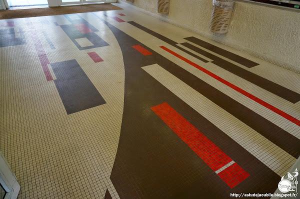 Paris 19ème - Halls d'immeubles, sol mosaïque, Place des Fêtes  Architecte: Marc Leboucher  Mosaïque: ?  Construction: 1971 - 1974