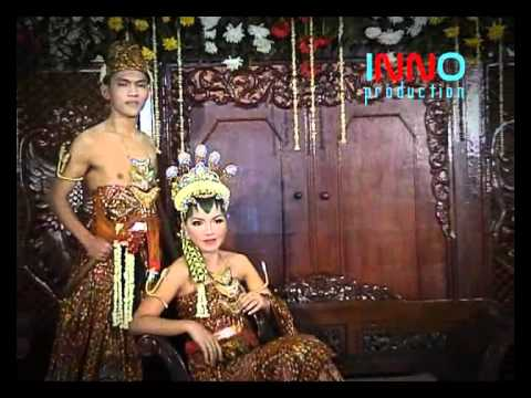 Cek Video Wedding fotoweddingmurah.com Via YouTube