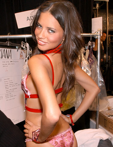 Adriana Lima hot body 2011
