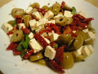 tomates secos-queso feta- ensalada