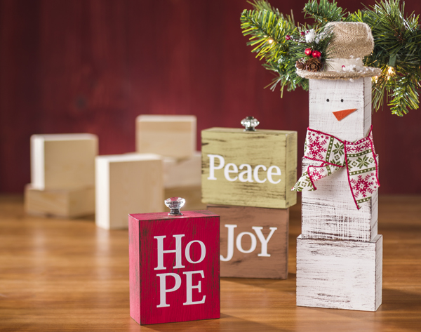 Christmas Wood Block Projects @craftsavvy @sarahowens #craftwarehouse #christmas #diy #wood #snowman