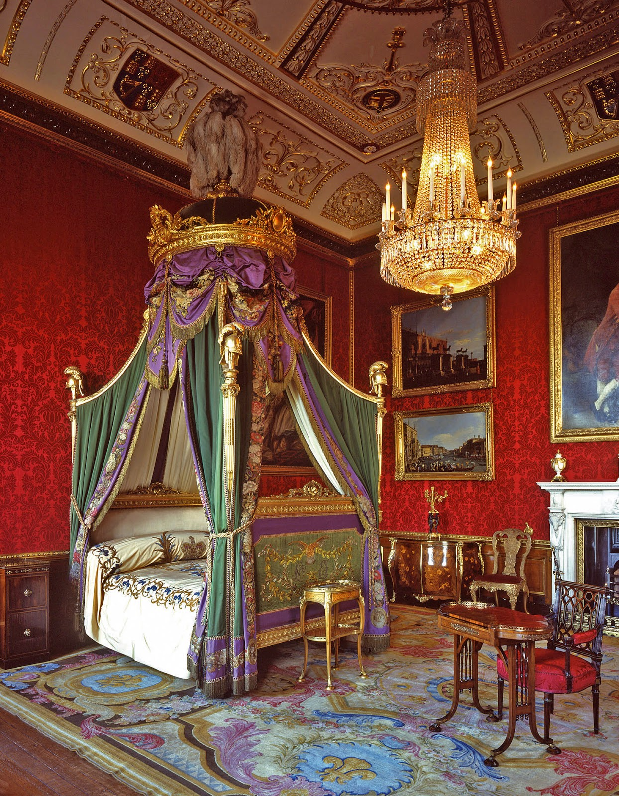 World Visits: Windsor Castle |Queen Mary's Doll| House In ...