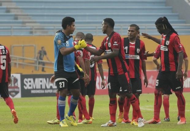 Jelang Final ISL 2014 : Persipura vs Persib Bandung