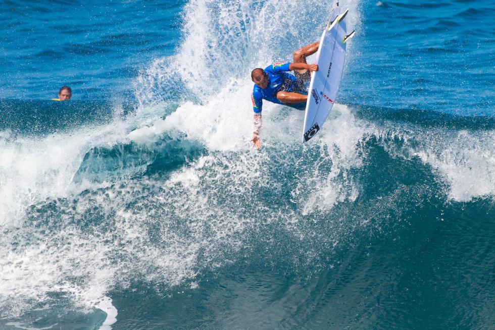 12 Jadson Andre BRA 2015 SATA Azores Pro Foto WSL Laurent Masurel