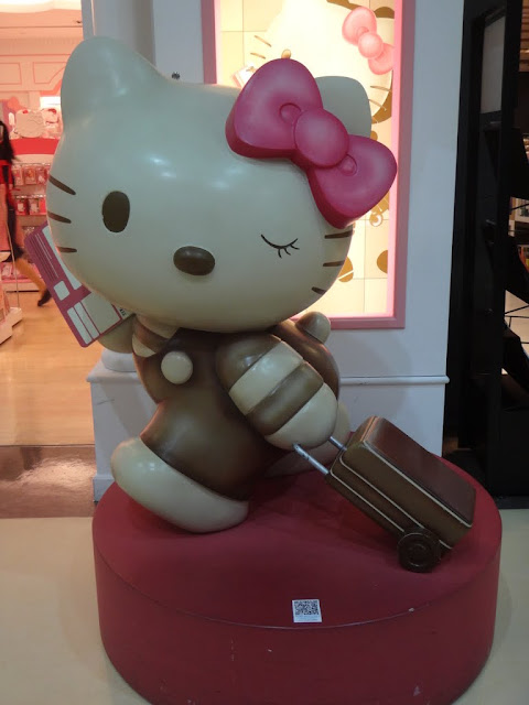 Hello Kitty status in Taoyuan International Airport,