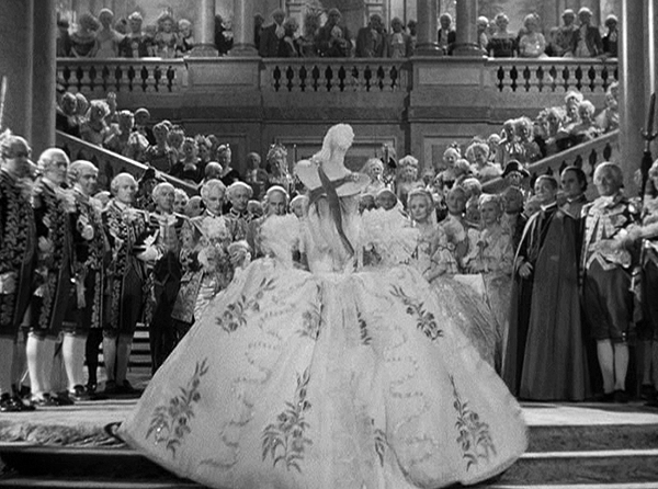 Reading Treasure: Marie Antoinette (1938) Costumes: Marie ...