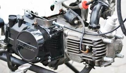 Tips Cara Mudah dan Murah Bersihkan Mesin Motor