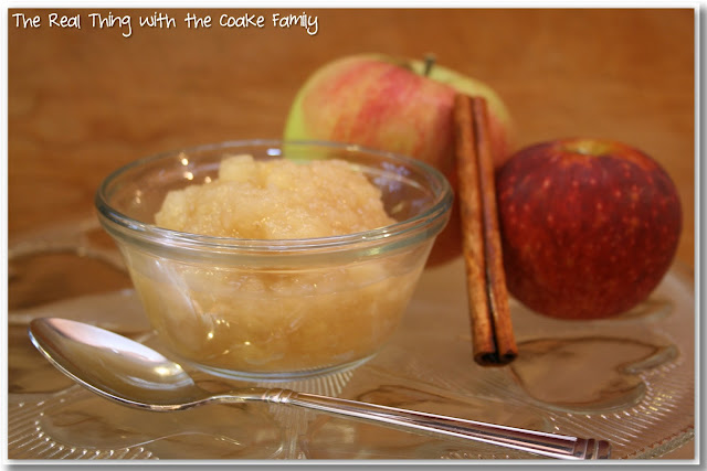 Love crockpot recipes! This crockpot applesauce recipe is so delicious and it is easy too! It smells almost as good as it tastes.