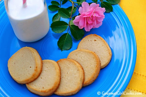 Almond Flour Shortbread Cookies | In The Kitchen With Honeyville