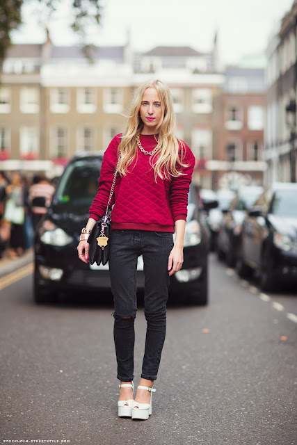 Streetstyle, Street Style, Estilo, Moda, Estilo de Rua, Camisa Vermelha, Blusa Vermelha, Sweater Vermelho, Estilo Outono, Inspiração Outono, Inspiração Inverno,