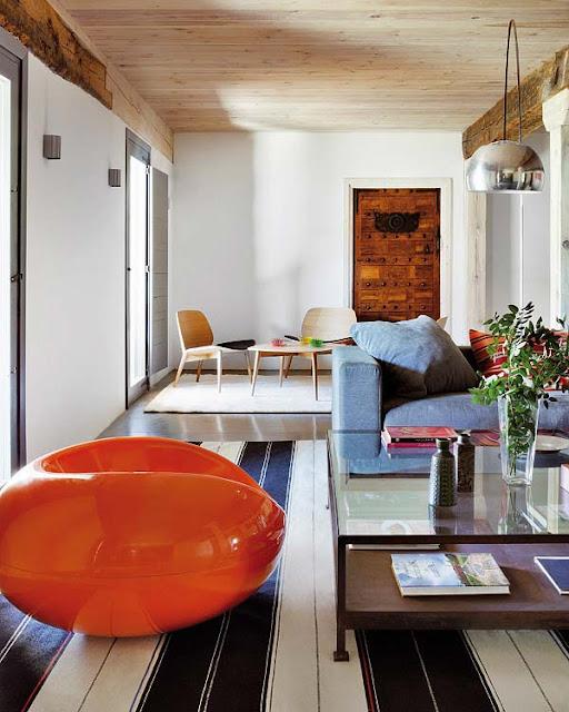 Pastil Chair Sessel von Eero Aarnio/ADELTA als Hingucker im Wohnzimmer