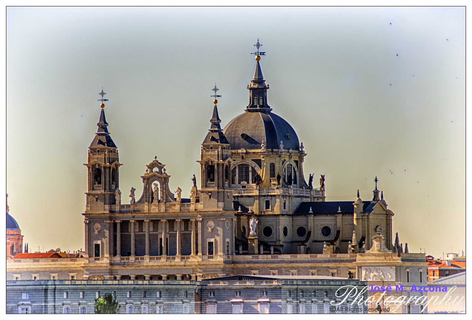 Catedral de la Almudena. Vista desde el templo de Debod.