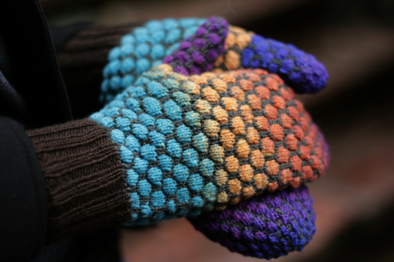 Rainy Day Knits: Stained Glass Bubble Mittens